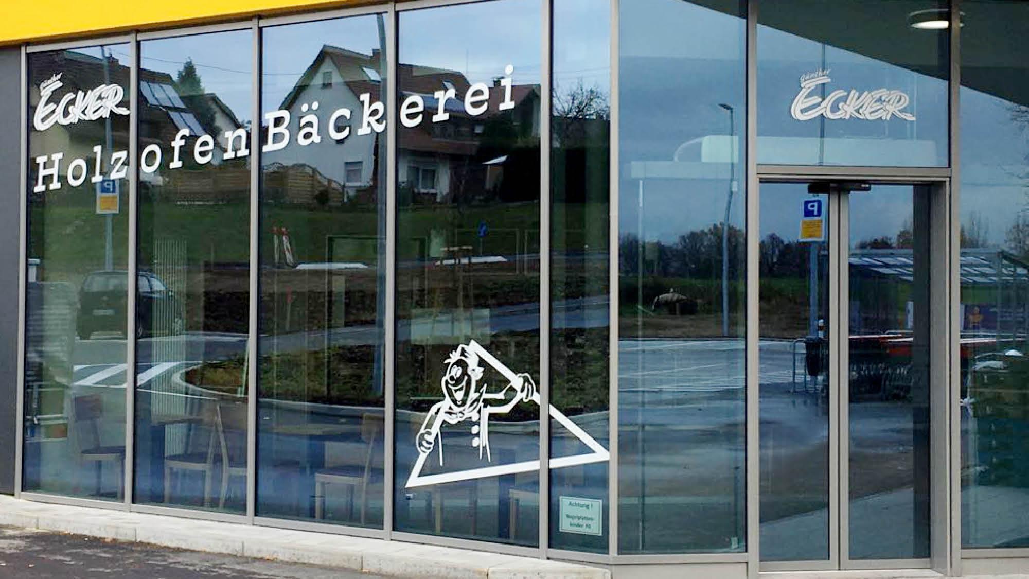 Baeckerei Ecker - Spraitbach - Schaufenster - Objektbeschriftung - 2017